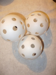 "Wiffle Ball Medium 3"" in diameter 2 pack"